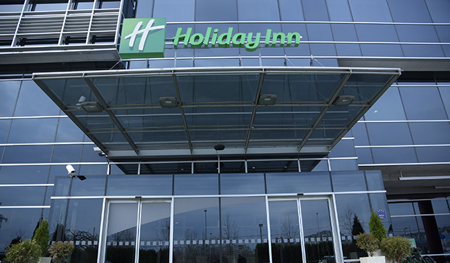 "Hotel ""Holiday Inn"""